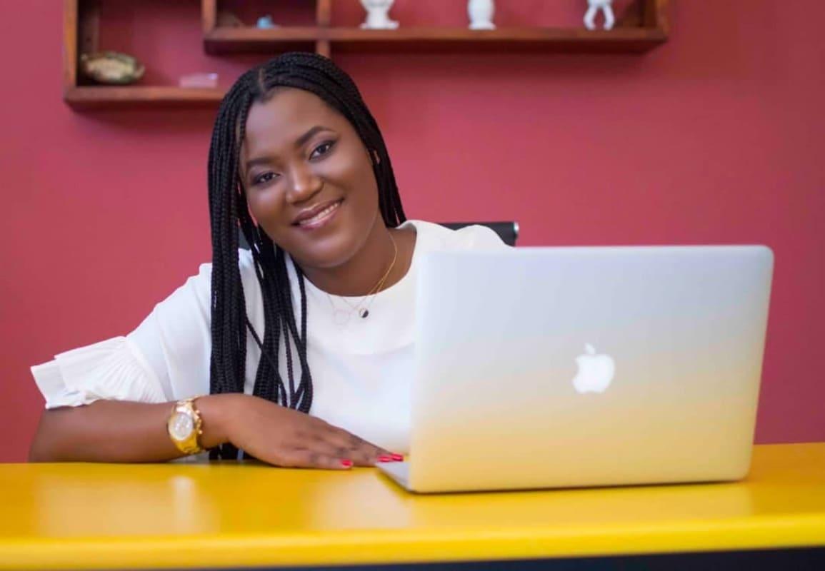 Djunelle business coach entrelles entrepreneures